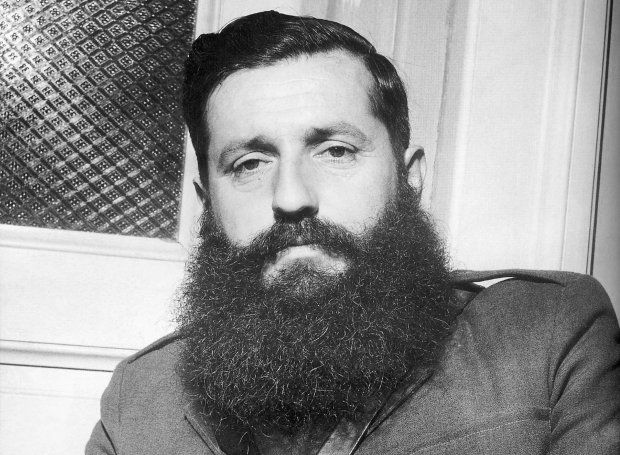 Άρης Βελουχιώτης (1905 – 1945)