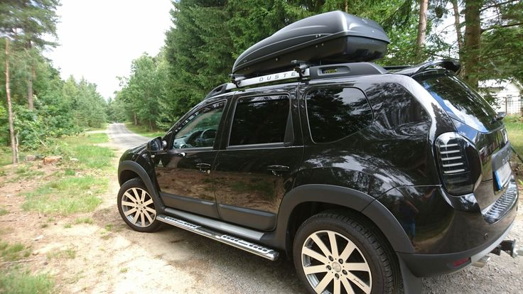 Dacia Duster 4x4 Adventure Edition 2016 with Dacia Roofbox