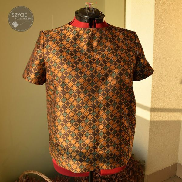 all that glitters is not gold:) Shirt made from jacquard. Pattern: Burda 7/2013