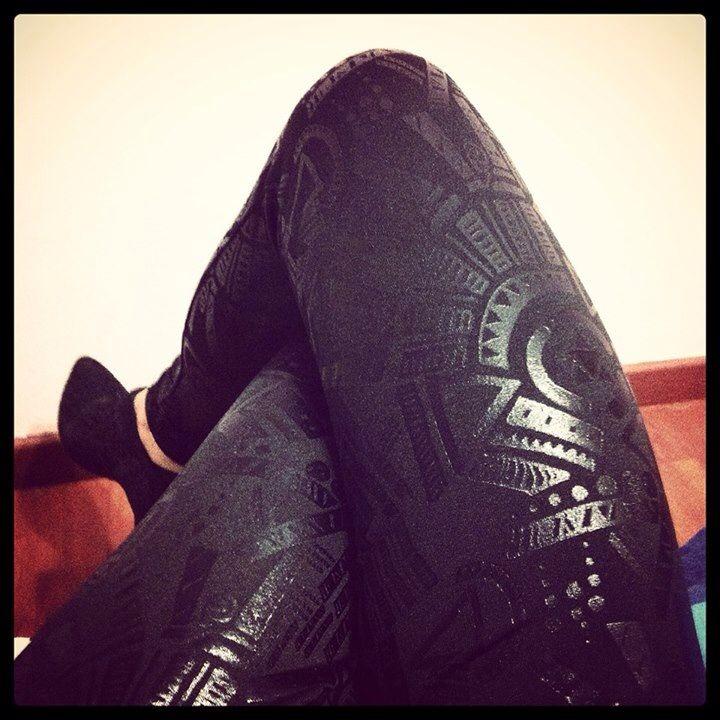 #Instagram Leggings neri con un mood che ricorda l'arte azteca. brand: Tezenis