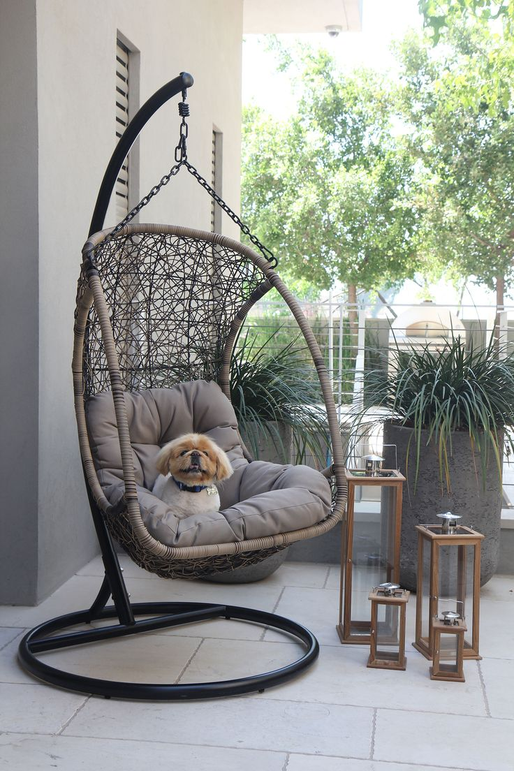 The Egg Hanging Chair Is Comfortable, Playful And A Fun Chair That Would Be  A