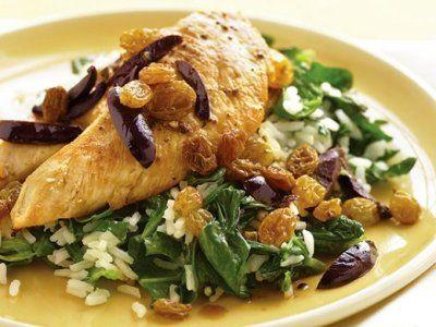 Lime chicken with couscous raisins and olives http://zpravynovinky.cz/index.php/kucharka/476-limetkove-kure-s-kuskusem-rozinkami-a-olivami.html #lime #chicken #couscous #raisings #recipe #olives
