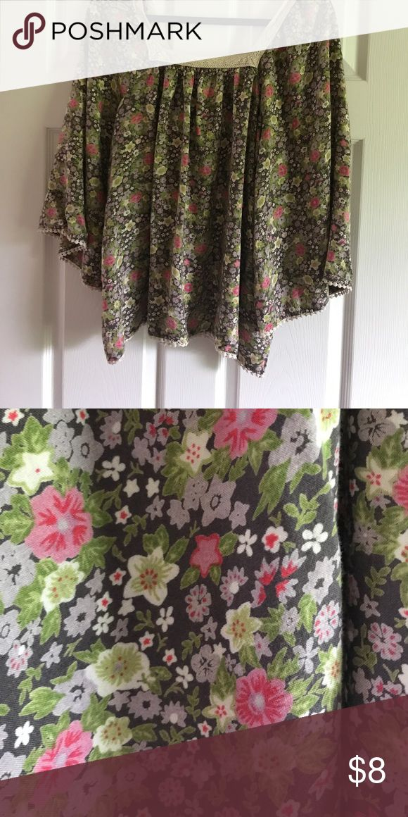 Decree batwing floral top size xlarge Woven floral batwing Decree top size xlarge Decree Tops Blouses