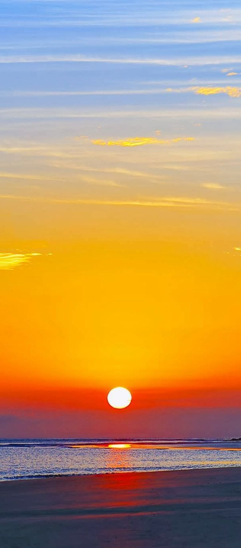 Puesta de sol en la isla de miel - Paraná - Brasil:                                                                                                                                                      Más