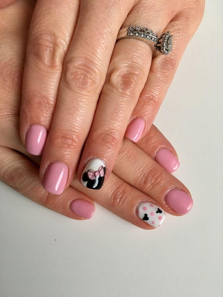 Minnie Mouse Disney nails.  Insta @polishedbycarli