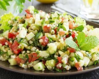 Taboulé frais aux légumes croquants : http://www.fourchette-et-bikini.fr/recettes/recettes-minceur/taboule-frais-aux-legumes-croquants.html