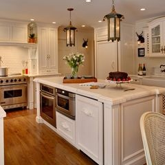 oven and microwave in island, keep all the counters free