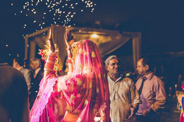 The beauty of rituals. Shoot by Avnish Dhoundiyal, Delhi. Amazing couple!✨   #weddingnet #indian #wedding #groom #bride #india #dress #decoration #decor #indianwedding #weddingphotography