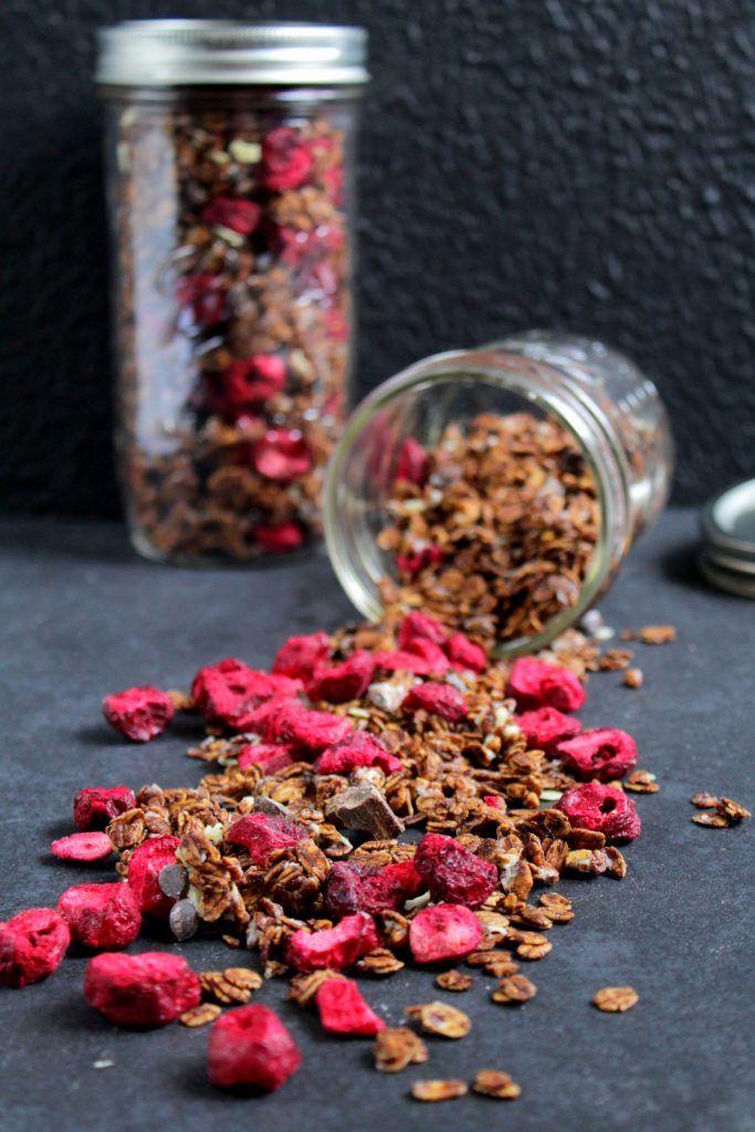 Cherry Choc Granola | Schoko Granola mit Sauerkirschen | foodwithlove.de
