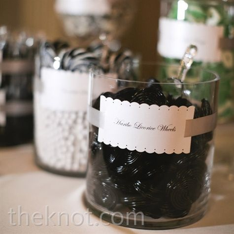 Candy bars are becoming such a popular idea to keep wedding guests sweet - for a black and white wedding, there are plenty sweets to choose from: licorice, bullseyes, cola bottles...it all depends on your sweet tooth!