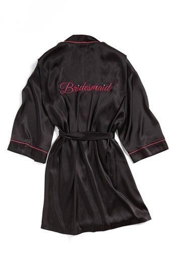 Cute bridesmaid gift: a special robe!