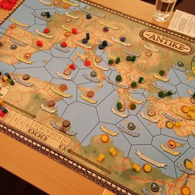 Der Klassiker #Antike macht wirklich Spass auch wenn es auf den ersten Blick nach einem #Brettspiel aussieht bei dem man vor allem gegeneinander kämpft. Aber das ist eher selten. #brettspiele #boardgame #boardgames