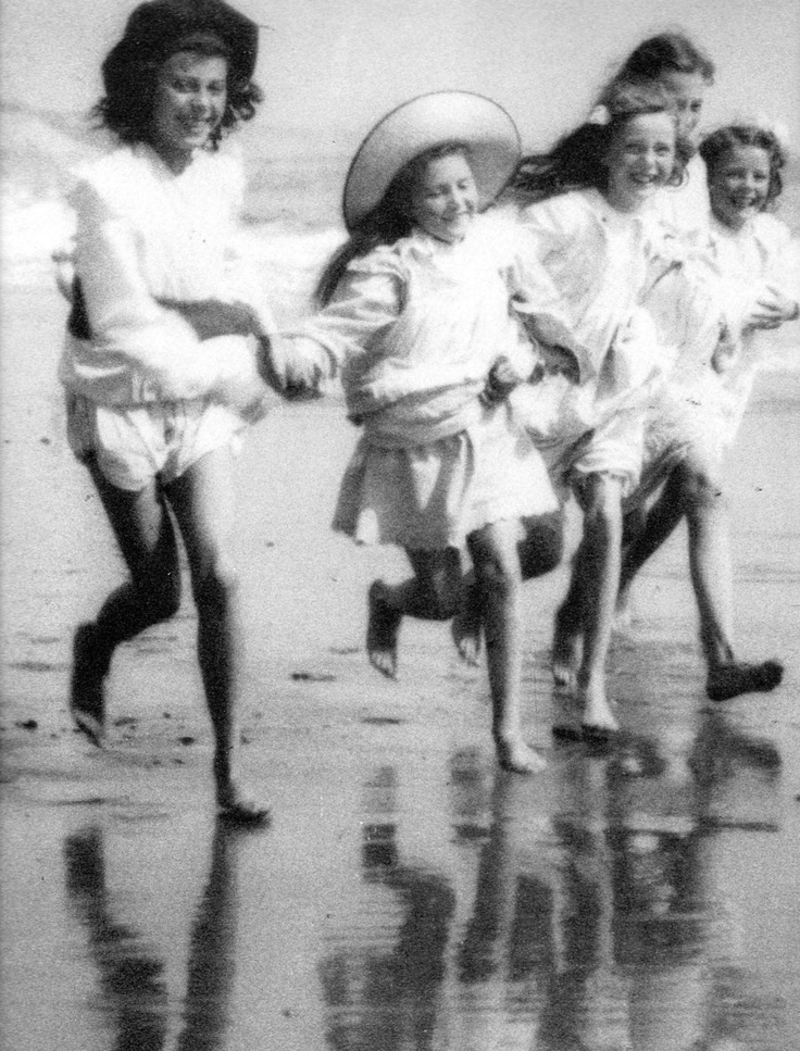 Children by the seaside 1914