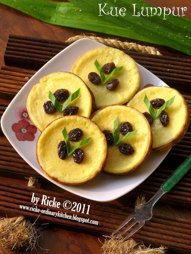 Kue lumpur, salah satu jajanan pasar yang sudah sangat dikenal luas di Indonesia. Dari yang original sampai yang sudah dimodifikasi. Dari ya...