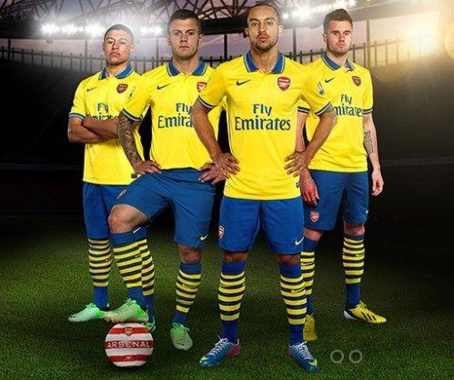 Arsenal>>Le moins cher et le plus récent est maillots de foot Arsenal pour les fans de football qui sont impatients de Football Coupe du Monde 2014,maillot Arsenal en look branché et à la mode.