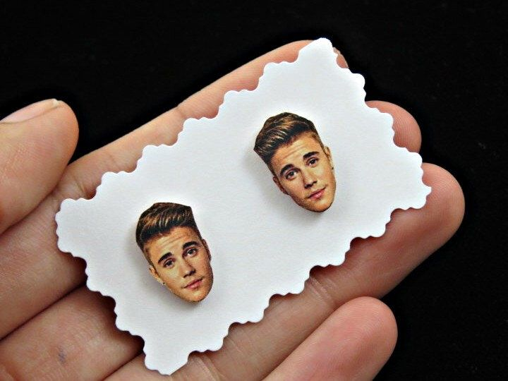 Justin Bieber earrings - justin bieber studs - celebrity earrings - face earrings - concert earrings - Fan Girl Gift Idea by CleopatraCandy on Etsy https://www.etsy.com/listing/239669498/justin-bieber-earrings-justin-bieber