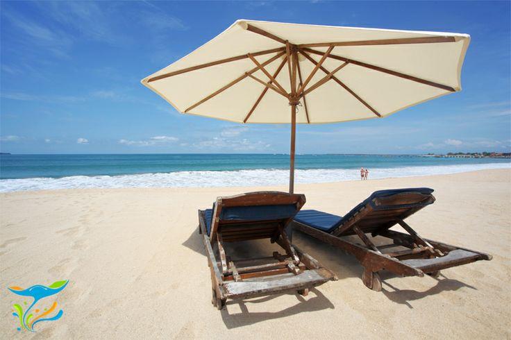 Bener-bener tropis ya. Kalo suka berjemur di pantai, salah satu pilihan pas ini.