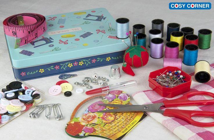 Vintage μεταλλικό κουτί για να έχετε οργανωμένα όλα τα είδη ραπτικής σας. Περιέχει όλα τα απαραίτητα! http://goo.gl/iswME8