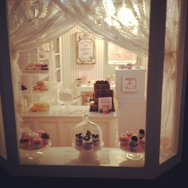 It's a miniature life: Sprinkles Bakery window display This is so cute. The lady does some amazing work