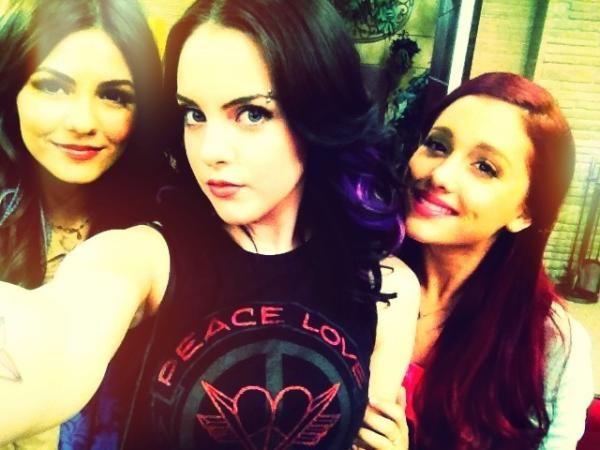 Ariana Grande, Liz Gillies and Victoria Justice.