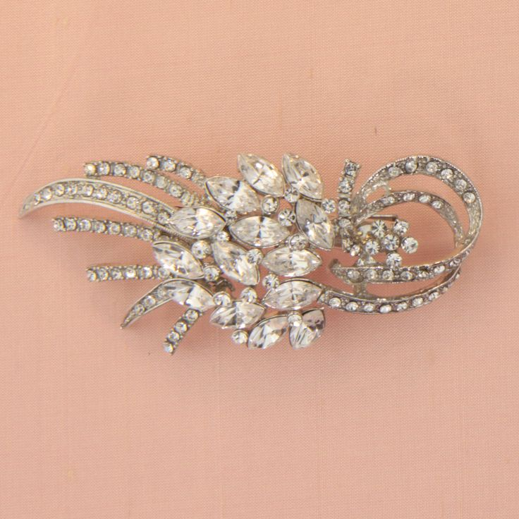 Small diamante clip.Measurement: 8 cm long x 3.5 cm wideThis piece is presented in Roman