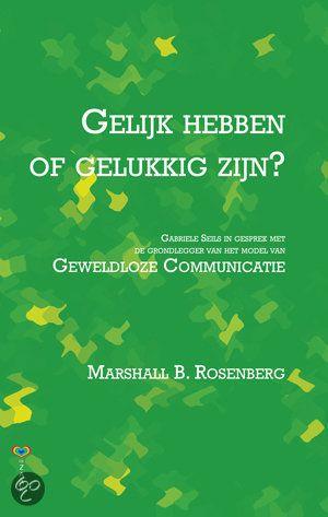 Gelijk hebben of gelukkig zijn ? In dit boek stelt de Duitse journaliste Gabriele Seils vragen over Geweldloze Communicatie. De antwoorden van Rosenberg ontroeren, inspireren en motiveren - of roepen twijfel en weerstand op. Ze zullen echter niemand onberoerd laten.