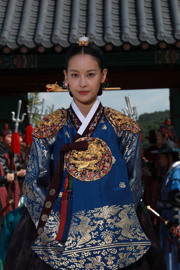 Korean drama [Dong Yi] = 인원왕후 김씨 [Queen Inwon] - 오연서 (Oh Yeon-seo)