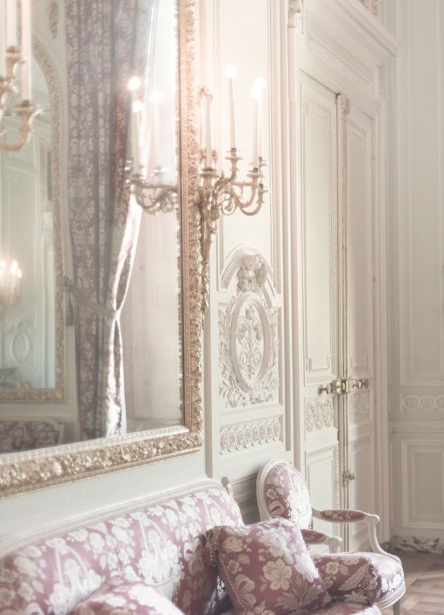 Beautiful paris apartment with pink decor