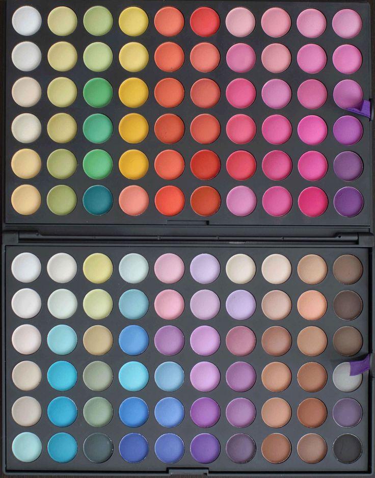 Trusa de farduri cu 120 de culori total mate disponibila pe www.paletutze.ro