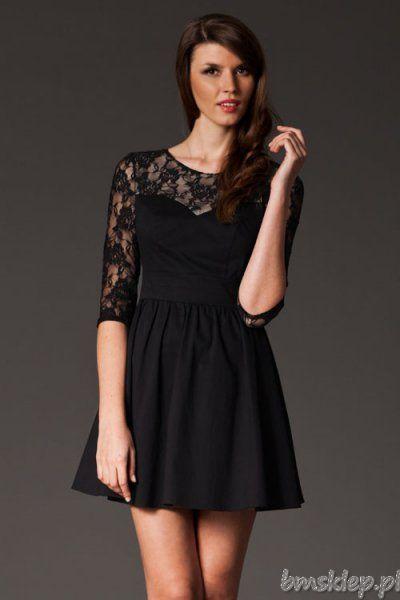 Bardzo elegancka propozycja firmy Figl. Sukienka z koronkowym dekoltem i rękawami. Dół sukienki rozkloszowany. Fason posiada szerszy #pasek w talii dzięki czemu idealnie ją podkreśla. Skład: #bawelna 73%, #poliester 22%, elastan 5%.... #Sukienki - http://bmsklep.pl/sukienki