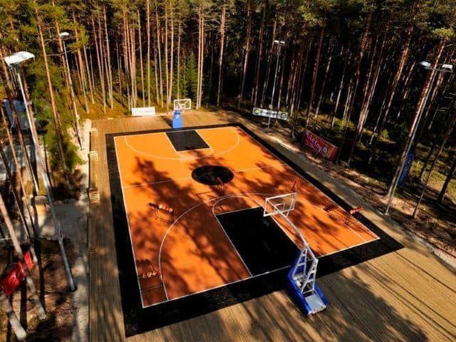 35 Of The Best Backyard Court Ideas Backyard Sports Backyard Basketball Basketball Court Backyard