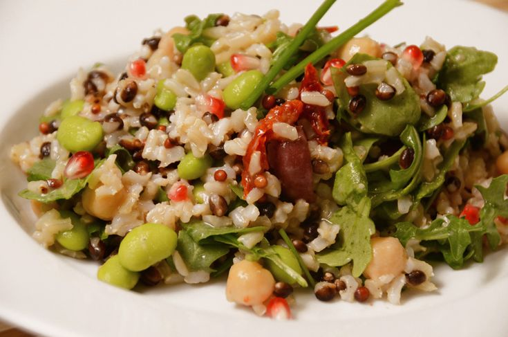 DIY food: mediterranean rice salad with lemon dressing