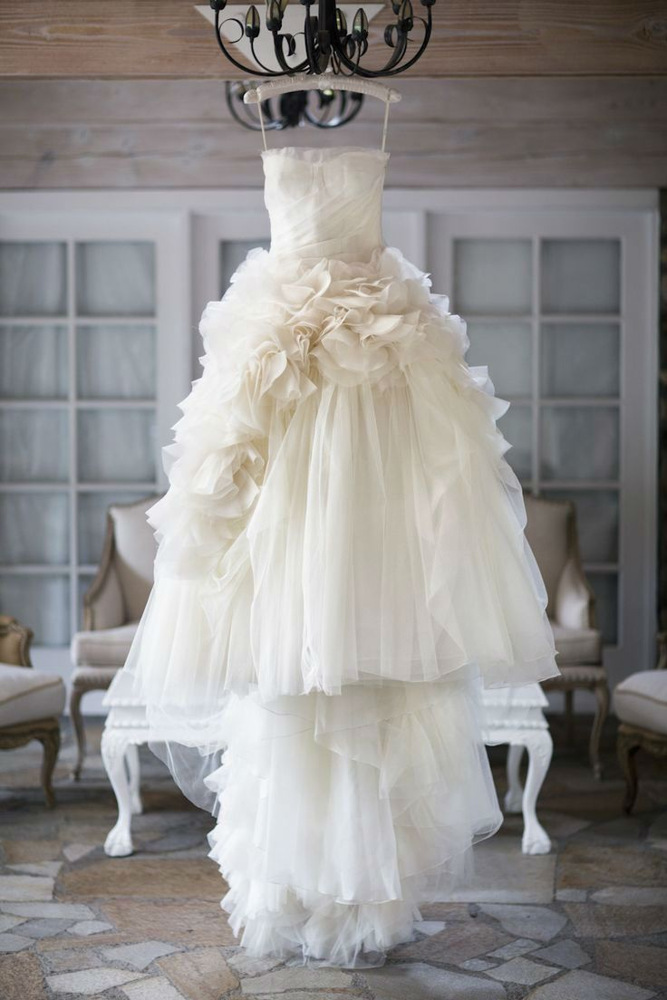 1000 ideas about stunning wedding dresses on pinterest for Fluffy skirt under wedding dress