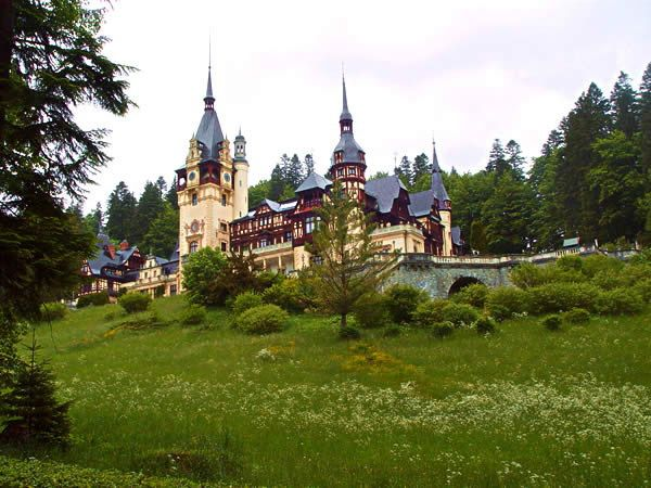 10 Famous Places to Visit in Europe | Luufy