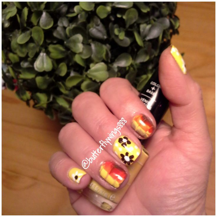 #nailart #watermarblenails #flowers