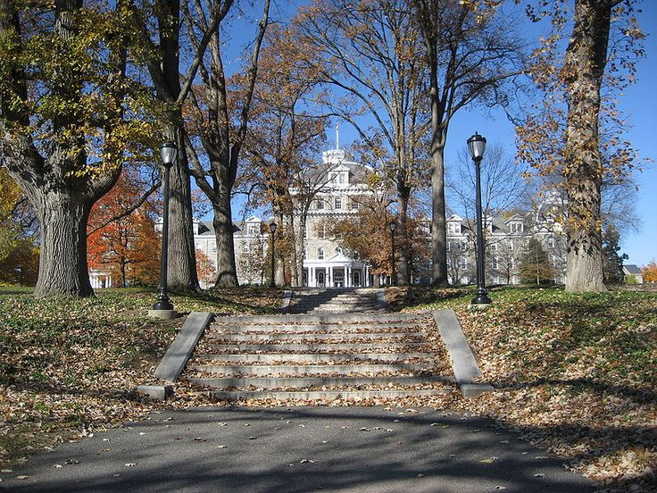 A picture of Swarthmore College's Parrish Hall in Swarthmore, PA http://www.payscale.com/research/US/School=Swarthmore_College/Salary