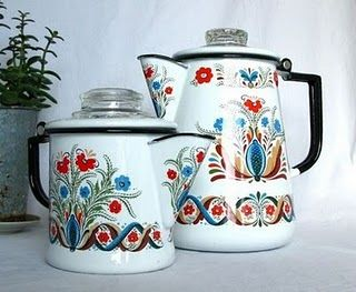 Vintage Scandinavian folk art enamelware. Want!