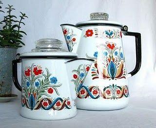 Vintage Scandinavian folk art enamelware. Want!