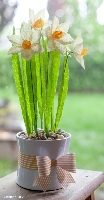 DIY: crepe paper daffodils