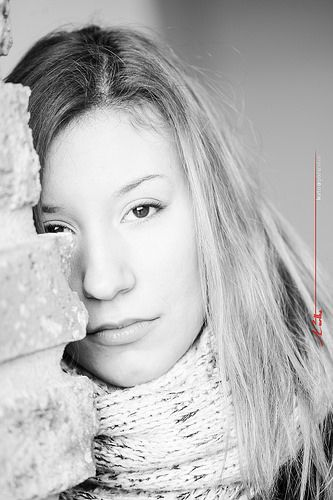 Maria in the morning light at the Bastion in Timisoara - hidden Black&White portrait behind the bricks / Portret alb-negru ascuns de caramizi / téglák möge fehér-fekete rejtett portré