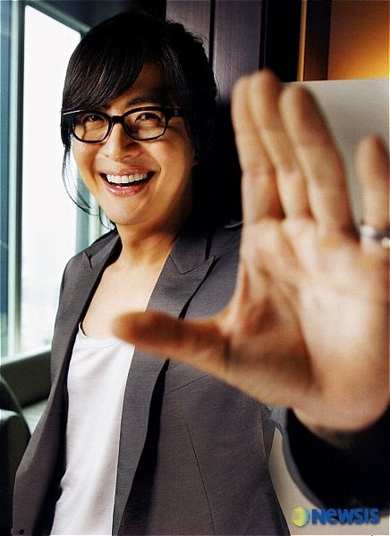 A little bae yong joon oppa smiling to brighten my day!