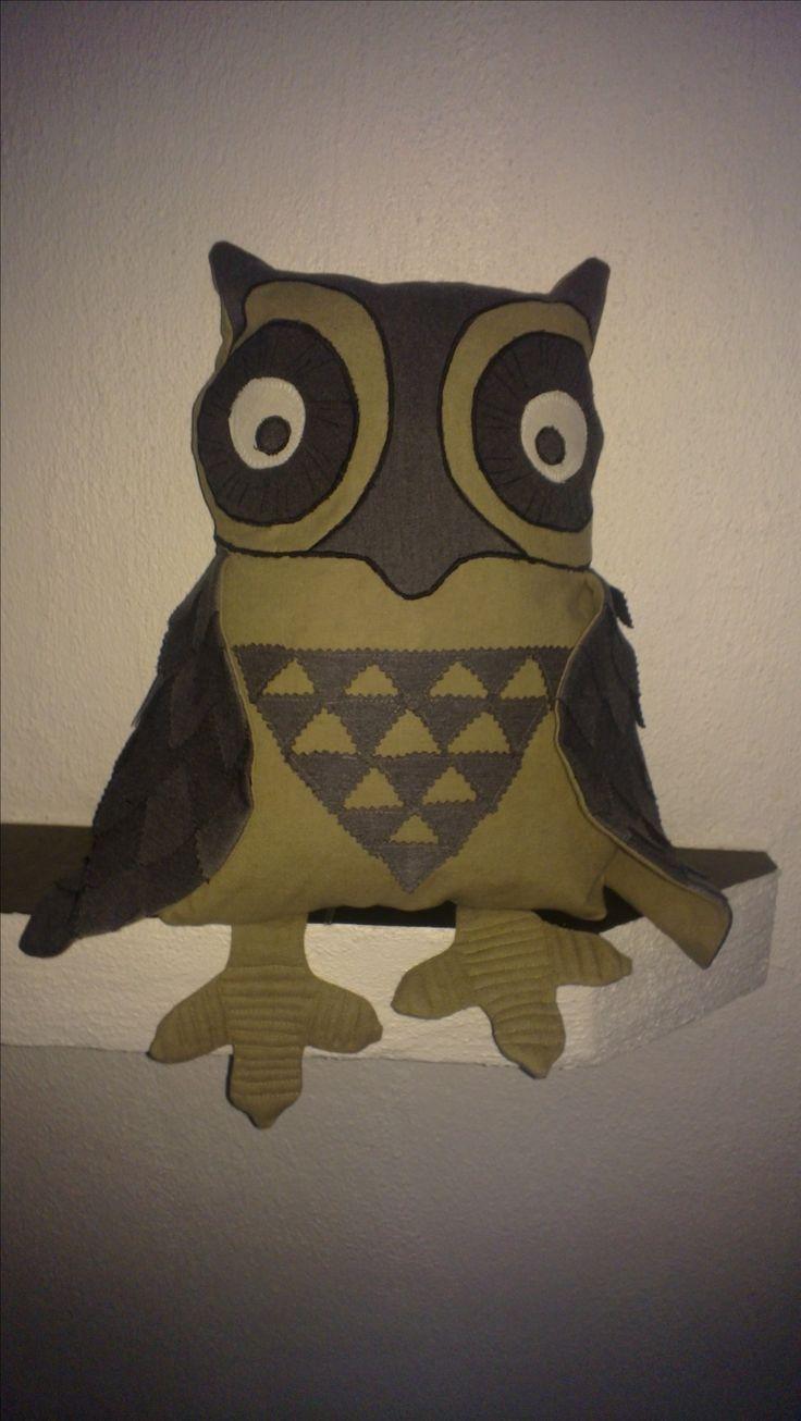 Herra Pöllö, kierrätys (vanha pöytäliina ja ystävän housut), oma kaava