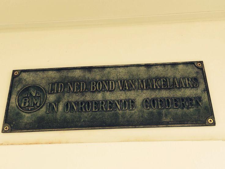 Bord van voorloper NVM de bond van makelaars in onroerende goederen of te wel NBW #nostalgie