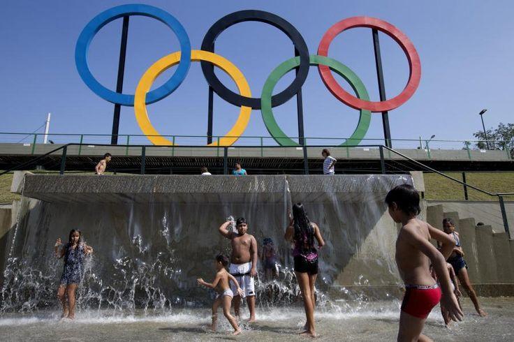 The Olympic Games in Rio de Janeiro, Brazil, are going to start on 5th of August and will end on 21st August.   Die Olympischen Spiele 2016 werden in Rio de Janeiro ausgetragen. Eröffnet werden sie am 5. August. Hier finden Sie alle Infos zu Rio 2016: Zeitplan, Zeitverschiebung, Stars und deutsches Team.