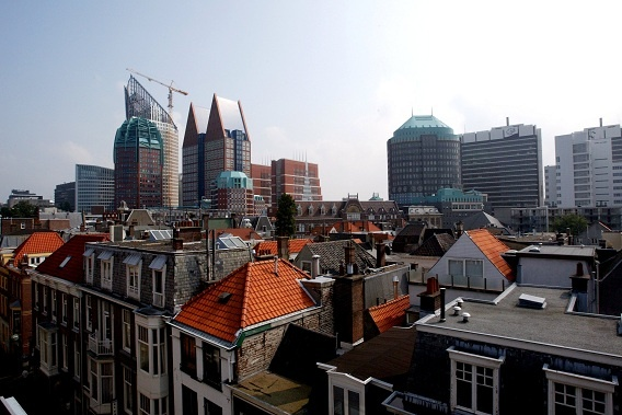 Red tile roof tops and more in Den Haag.