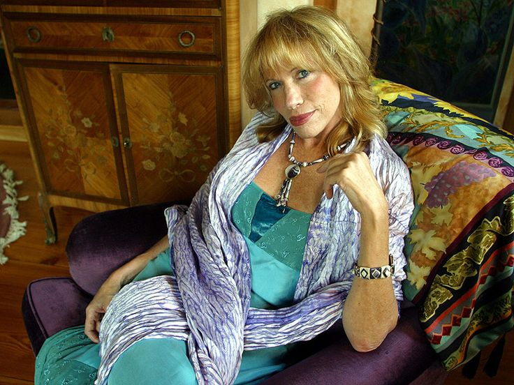 Carly Simon Reveals She Had Sexual Encounters with an Older Boy When She Was 7: 'It Was Heinous' http://www.people.com/article/carly-simon-had-sexual-encounters-at-age-7-with-older-boy