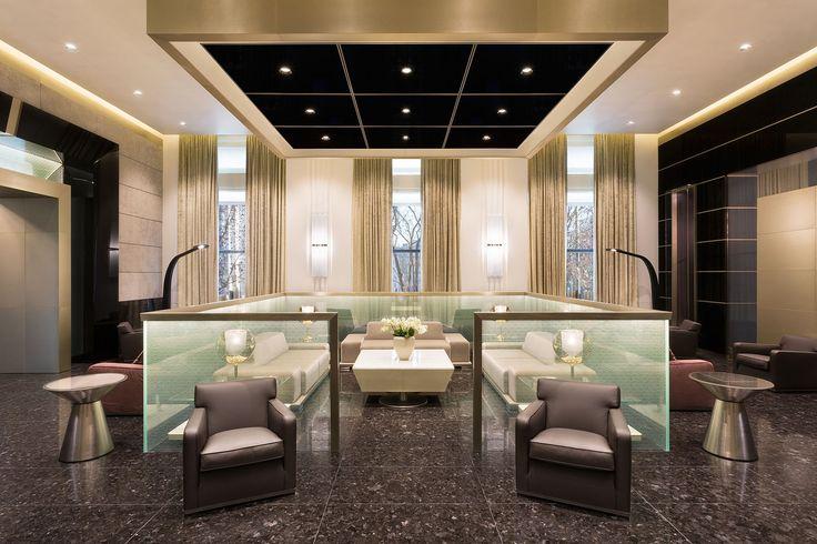 Hotel Gallia torna a splendere con l'impianto elettrico della serie Idea di Vimar. Lounge bar.