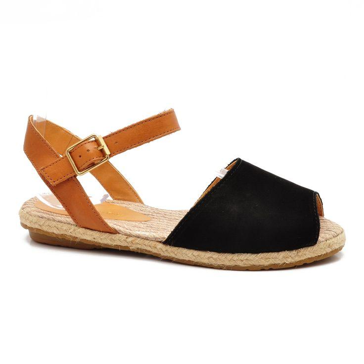 Moderné dámske a pánske topánky online. Množstvo značkovej obuvy, najviac značiek na jednom mieste. Výlučne u nás: n� | Super béžovo-hnedo-čierna, koža, Montonelli Dámske sandále, kožené rímske sandále in the shococktail. cena: 28.20€.