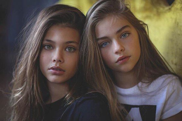 Heyy!! We are Lenaya and Lamiya (left to right). We are modeling twins. We have 7 older siblings. We are 13.