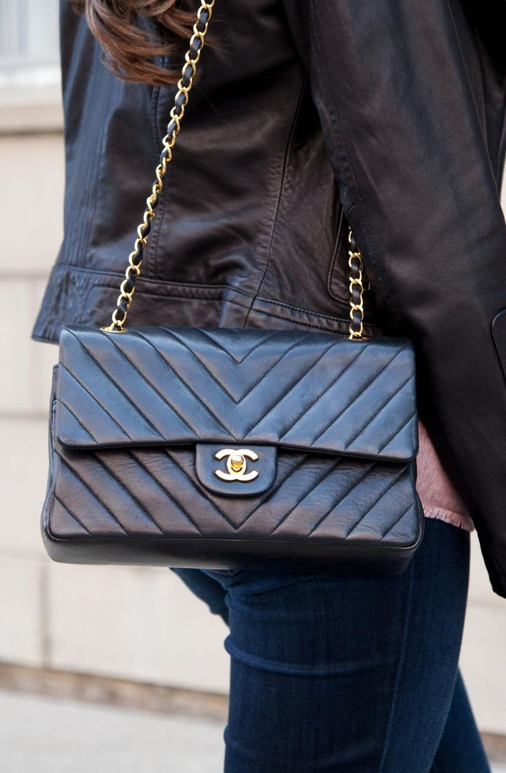 171 best chanel bags images on pinterest chanel bags chanel handbags and couture bags. Black Bedroom Furniture Sets. Home Design Ideas